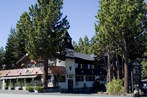 Alpenhof Lodge :: This European-style lodge offers free breakfast, is close to lifts, restaurants & nightlife, & boasts newly renovated rooms featuring new beds, flat screen tvs, & views.