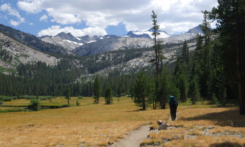 Backpacking along the John Muir Trail