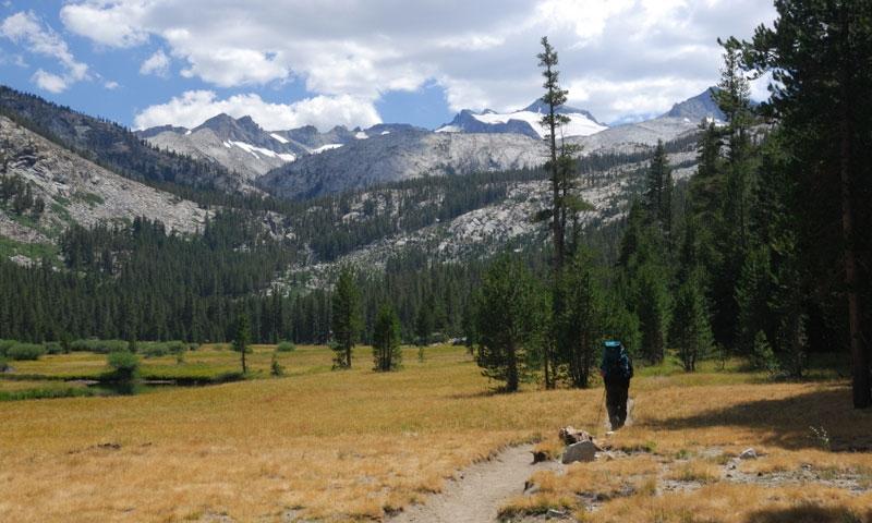 Backpacking along the John Muir Trail