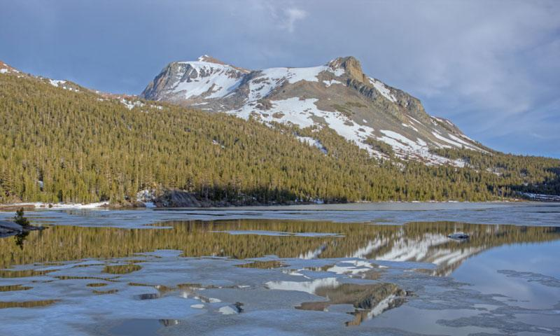 Tioga Lake is located along Tioga Pass near Mammoth Lakes