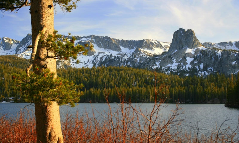Lake Mary in the Mammoth Lakes area