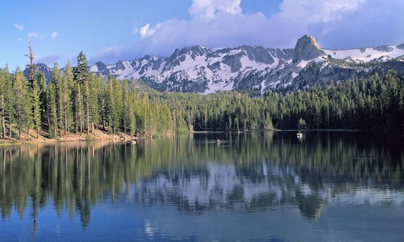Horseshoe Lake in the Mammoth Lakes Loop