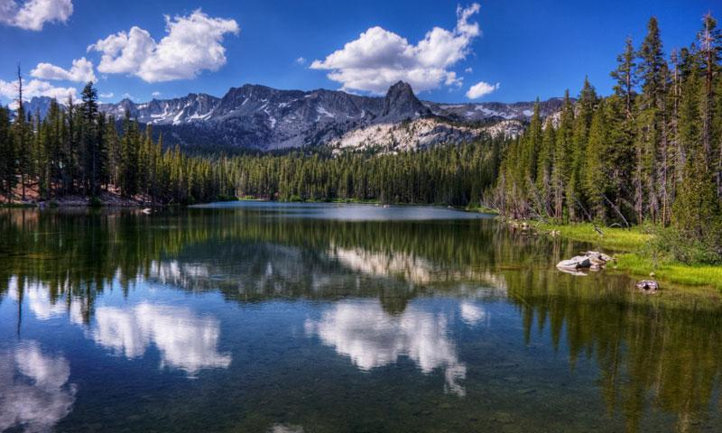 Lake Mamie in the Mammoth Lakes Loop